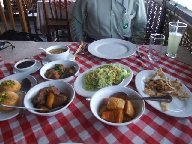 <インレー湖> ナムパンの水上レストラン_c0011649_820149.jpg
