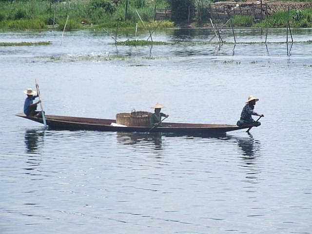 <インレー湖> ナムパンの水上レストラン_c0011649_8512922.jpg