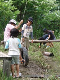 International survival mini-camp 2日_e0015223_7584452.jpg