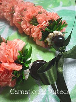 *Fresh Flower Lei Making*_f0017548_9455453.jpg