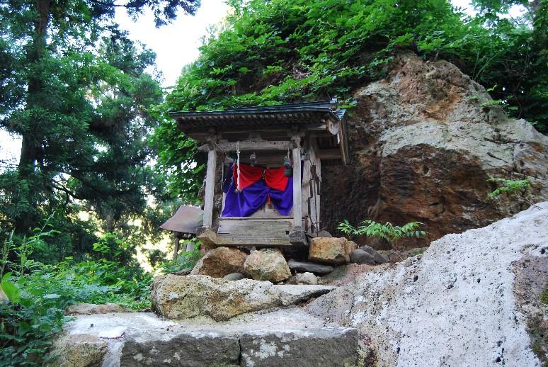 岩上神社_d0085096_17273964.jpg