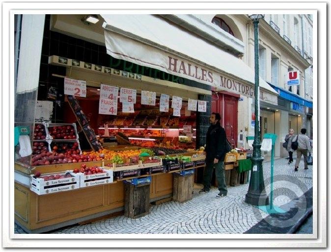 ■街角の果物(パリ)_a0014299_2421491.jpg