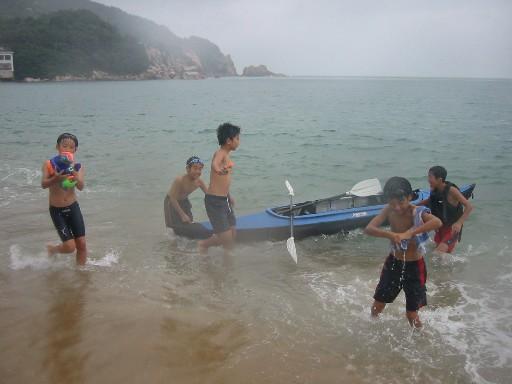 芥屋海水浴場_e0014756_13385131.jpg