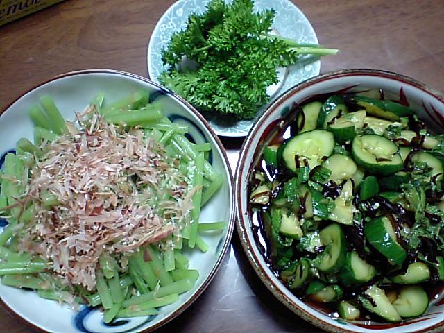 夏近し、野菜豊作。_e0012815_232639100.jpg