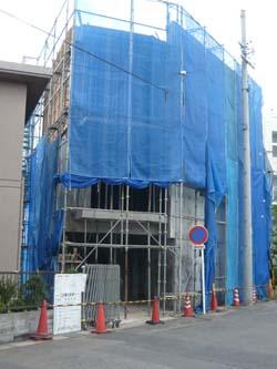 コンクリート工事中と終了_a0049695_1719664.jpg