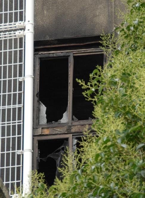 文京区清華寮の火災現場を写真撮りました_d0027795_12251648.jpg