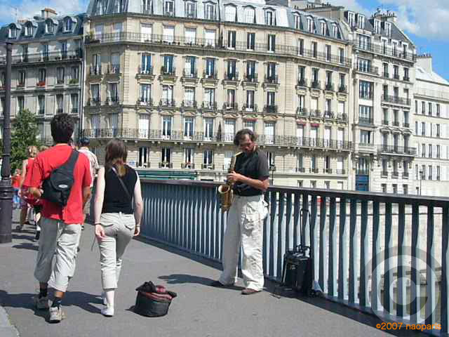 ■街角のミュージシャン(パリ)_a0008105_18352860.jpg