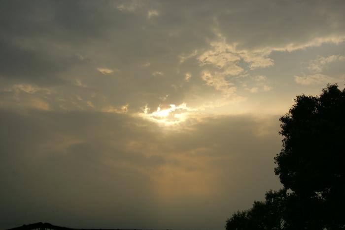 黒雲がきた…_e0077521_2132413.jpg