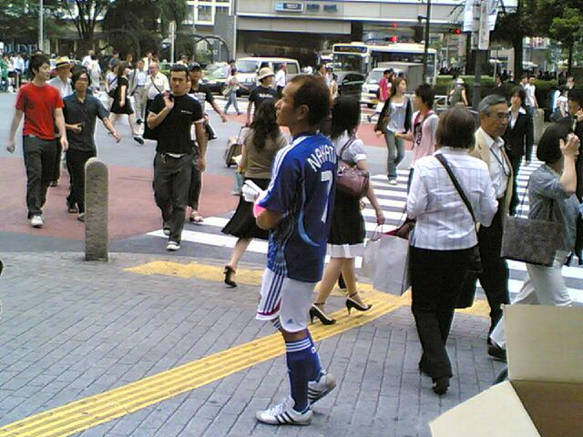 Hide Nakata is back to the town ?_c0077105_0131182.jpg