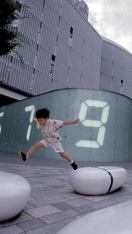 ONE JUMP!_c0081286_20172961.jpg