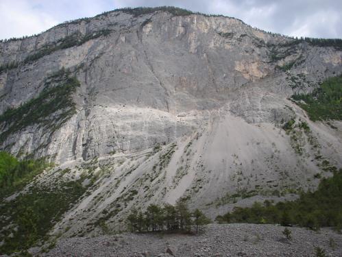 ドロミテの岩山_c0061896_9503268.jpg