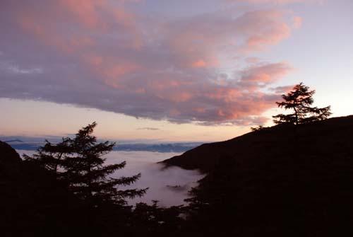 雲海と月夜の贈り物_e0120896_2221819.jpg