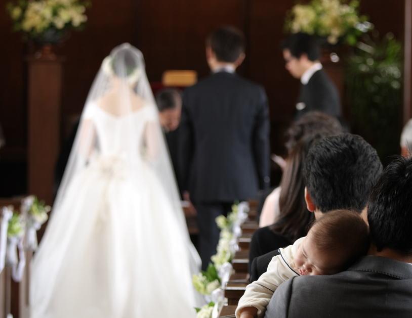 高輪教会の新婦様より2 赤バラのコサージュ _a0042928_07292.jpg