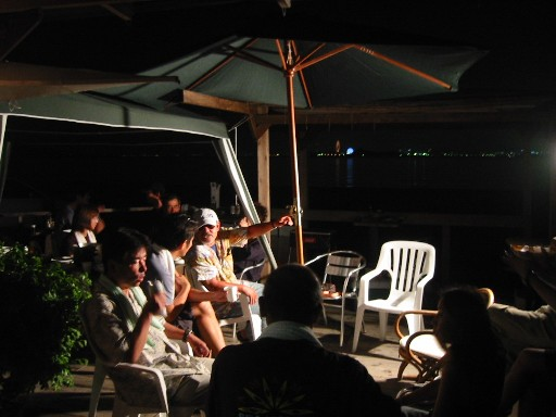 海面ハウスの宴会と、カヤック教室のお手伝い_e0014756_153647100.jpg