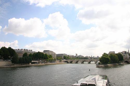 毎日が発見 in PARIS_b0093577_4124880.jpg