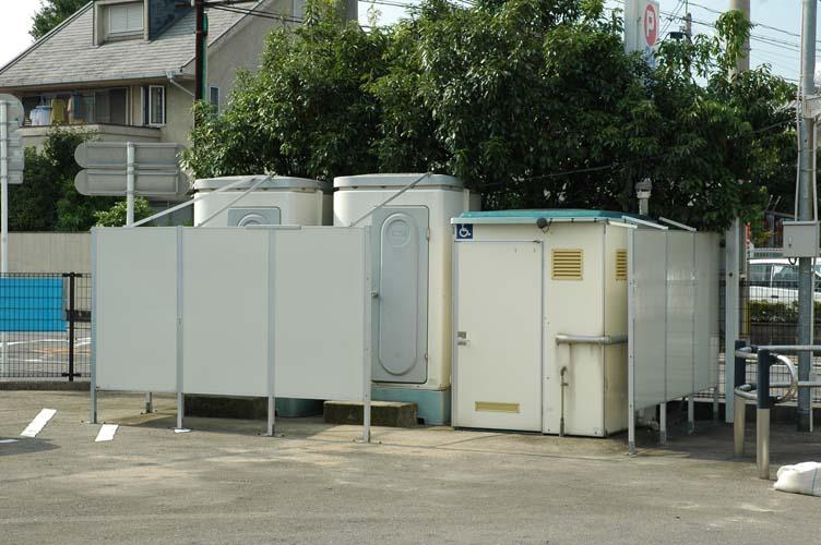トイレはここですよ。_c0052876_030570.jpg