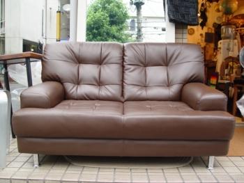 人気の茶色ソファーです!_a0096367_1263957.jpg