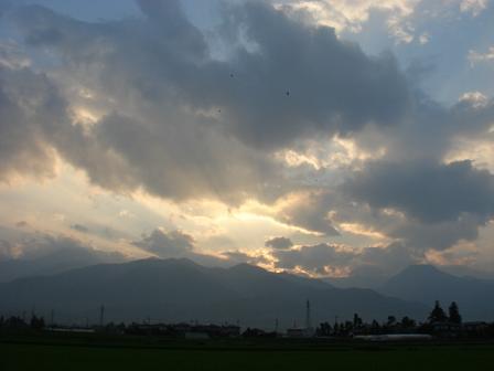 やっぱり安曇野の空は高い_a0014840_2338948.jpg