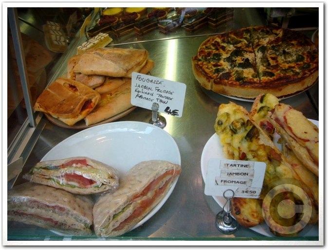 ■街角のパン屋(パリ)_a0014299_4525212.jpg