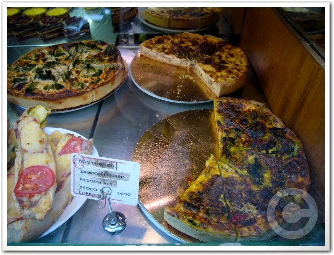 ■街角のパン屋(パリ)_a0014299_453522.jpg