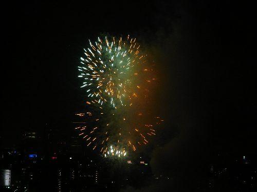第33回 隅田川花火大会@ホームパーティ。..。.゚。*・。♡ _a0053662_16572829.jpg