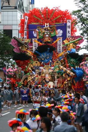 青森ねぶた祭 VS 八戸三社大祭_d0061678_17102622.jpg