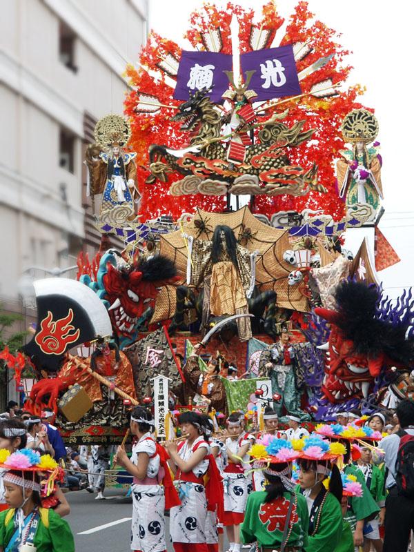 青森ねぶた祭 VS 八戸三社大祭_d0061678_17224410.jpg