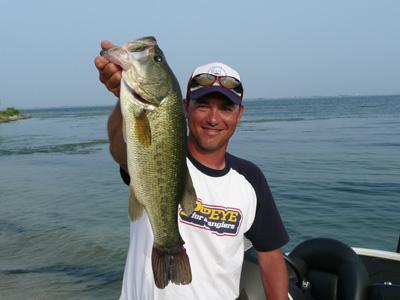 今日も琵琶湖です。今日も釣るぞ~~。_a0097491_22265589.jpg