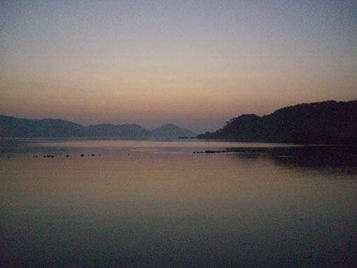 7月26日 加計呂麻島の日の出_e0104695_22311563.jpg