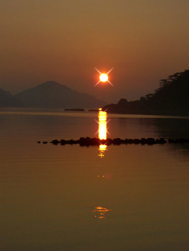 7月26日 加計呂麻島の日の出_e0104695_22323947.jpg