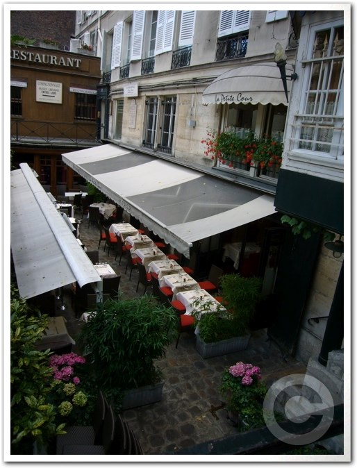 ■街角のレストラン(パリ)_a0014299_1383333.jpg