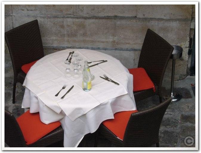 ■街角のレストラン(パリ)_a0014299_1385943.jpg