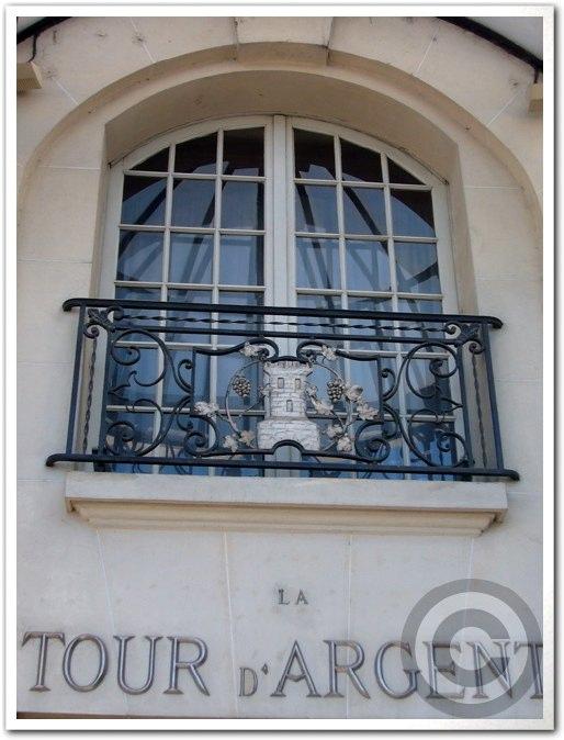 【工事】改装工事の季節(パリ)_a0014299_19574718.jpg