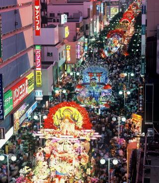 青森ねぶた祭 VS 八戸三社大祭_d0061678_1301811.jpg
