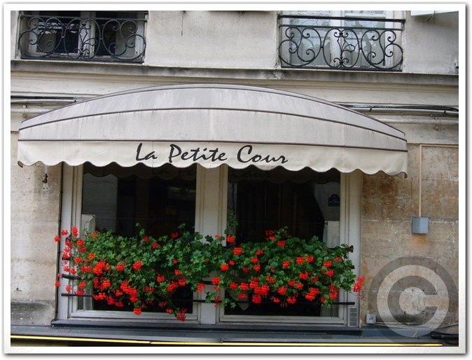 ■街角のレストラン(パリ)_a0014299_439444.jpg