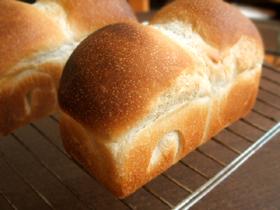 ■生クリームミニ食パンと丸パン_c0110869_21512772.jpg