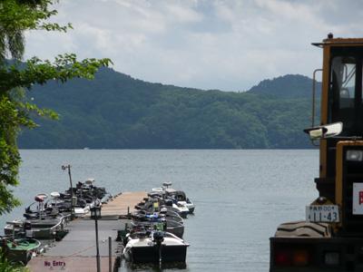今日は野尻湖に来ています。_a0097491_16571620.jpg