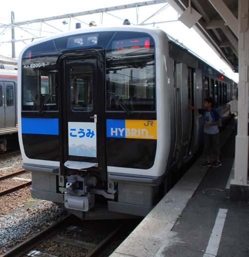 高原列車小海線 世界初のハイブリット車輌 8/1より_e0120896_16525442.jpg