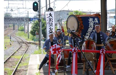 高原列車小海線 世界初のハイブリット車輌 8/1より_e0120896_1655575.jpg