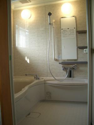 今回は浴室工事のお届けです。_b0078597_19521984.jpg