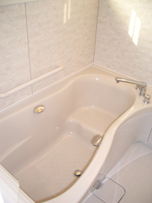 今回は浴室工事のお届けです。_b0078597_19523933.jpg