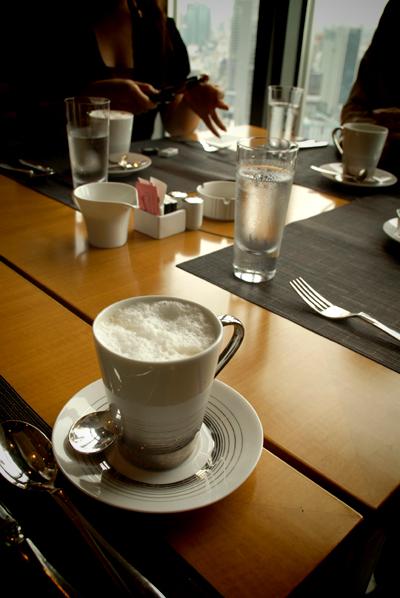 朝食をご一緒に_d0028499_18444824.jpg