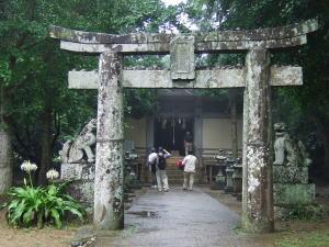 裏手の塩屋神社にもお参りしました。