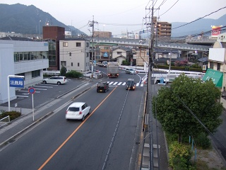 歩道橋の上から⑩ 海田町つくも横断歩道橋_b0095061_5482290.jpg