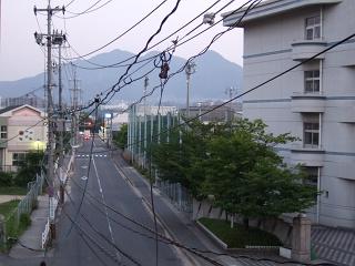 歩道橋の上から⑩ 海田町つくも横断歩道橋_b0095061_5484948.jpg