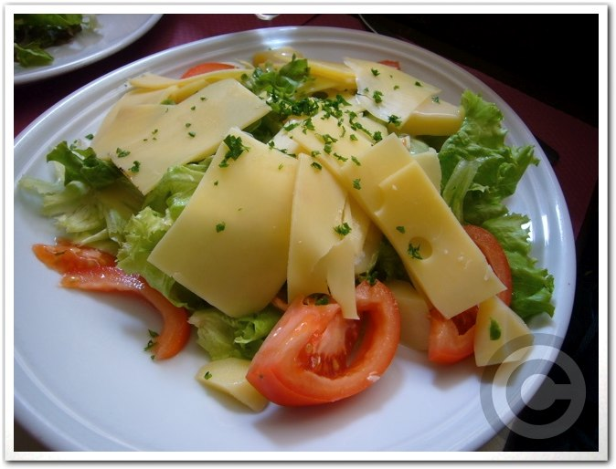 ■サンルイ島のキャフェLe Louis IXで簡単昼食(パリ)_a0014299_8461524.jpg