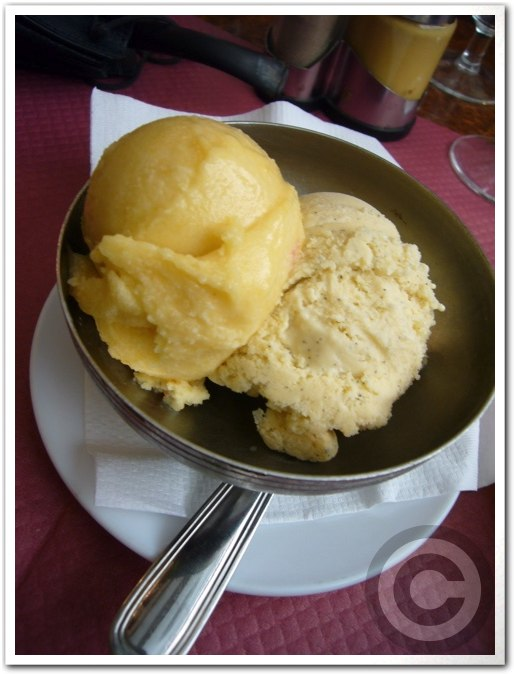■サンルイ島のキャフェLe Louis IXで簡単昼食(パリ)_a0014299_8501176.jpg