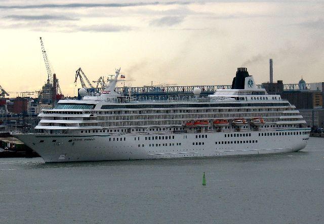 船の旅 (6月21日) ヘルシンキ  ①_e0098241_15483368.jpg