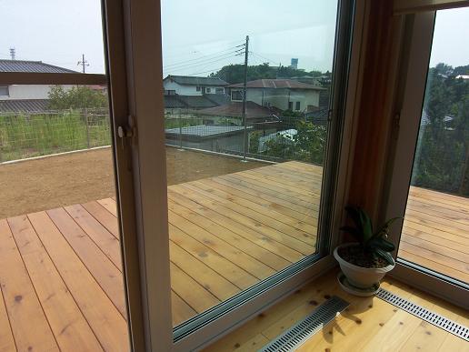 小砂の家 サンデッキ工事完了_a0039934_18464612.jpg