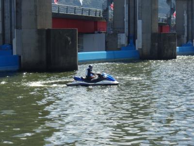 ボート競技警戒2日目_a0077071_1905528.jpg